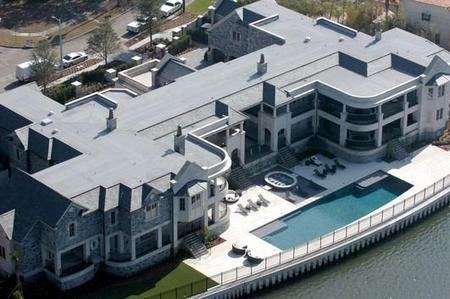 Which Celebrities Own Waterfront Homes Near Tampa?